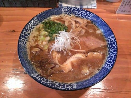 鶏白湯 醤油
